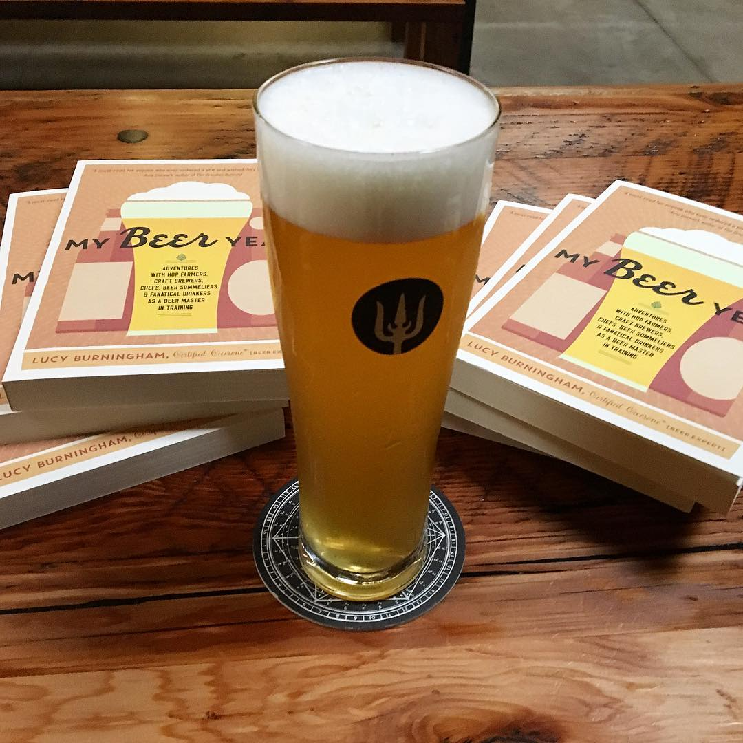 Thanks to everyone who came out to Wayfinder this eve! I'm going to need to keep writing beer books so I have an excuse to keep drinking beer with all of you. 🙏 #mybeeryear #craftbeer #beer #oregonbeer #pdx #beerstagram #cicerone #instabeer #authorlife #pilsner #czechstyle