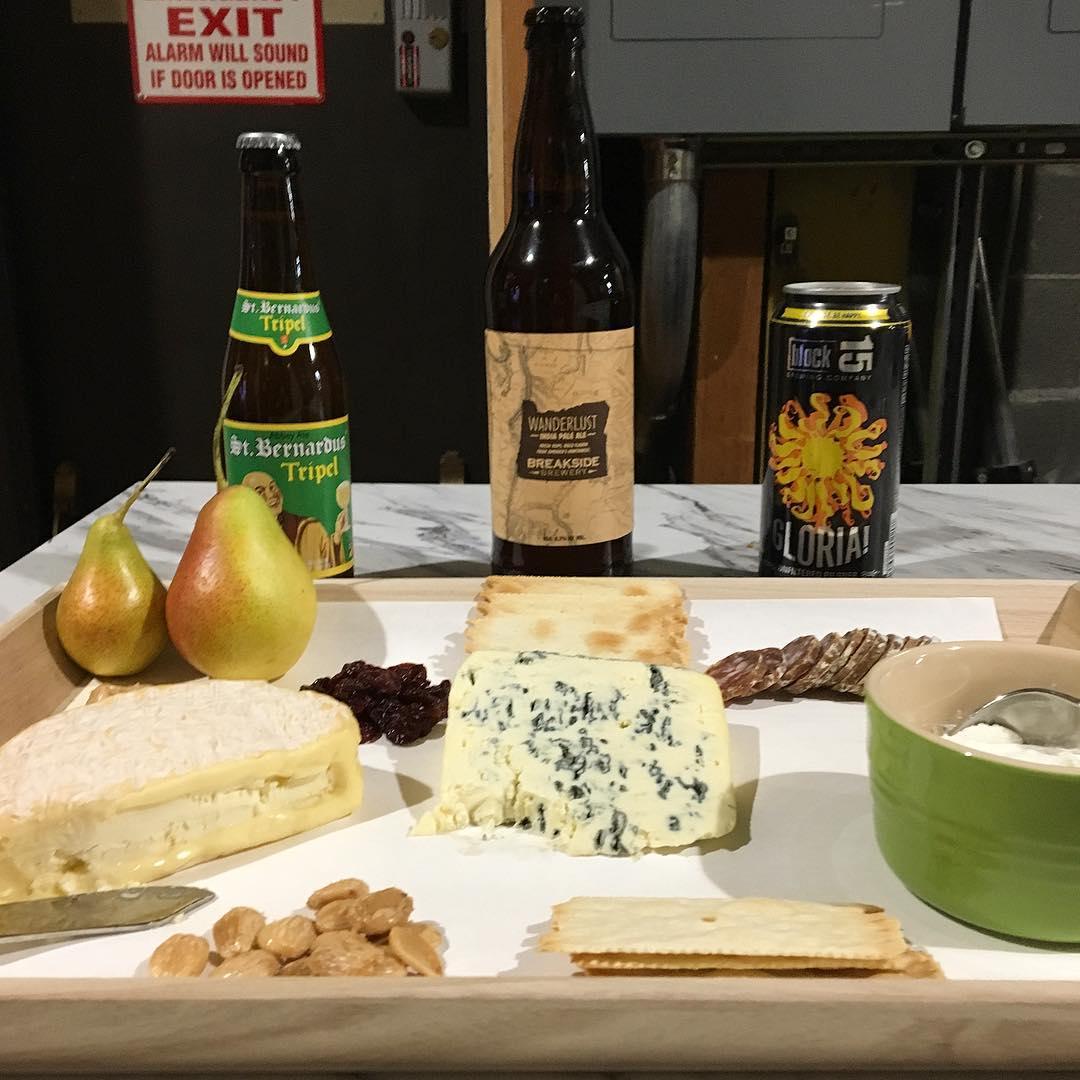 I had fun talking about pairing beer with cheese on @katutv today! Two of my favorite things belong together. 🍺+ 🧀=💥 #mybeeryear #beer #cheese #beerpairing #beerstagram #instabeer #oregonbeer #belgium #frenchcheese #portland