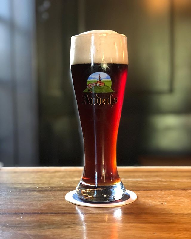 Does your beer patiently wait for you to take its pic in portrait mode like mine does? Sometimes I forget how much I love German lagers. This Andechs dunkel set me straight.